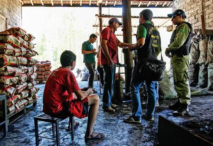 Portaria do trabalho escravo está suspensa por liminar