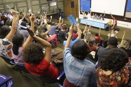 Docentes da Uerj mantêm greve