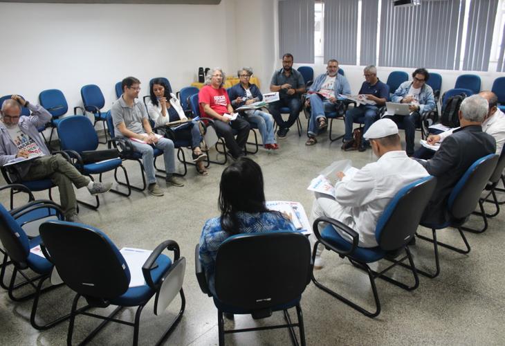 Mesa de negociação: Docentes e governo discutem fila de dedicação exclusiva (DE)
