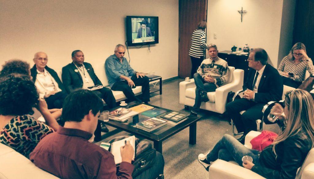 CSP-Conlutas participa de audiência com relator da LDO e se posiciona contra ataques a serviços públicos