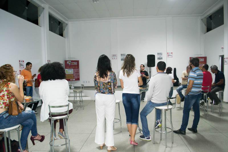 Sarau UEBA Resistem une luta e cultura em defesa da educação pública