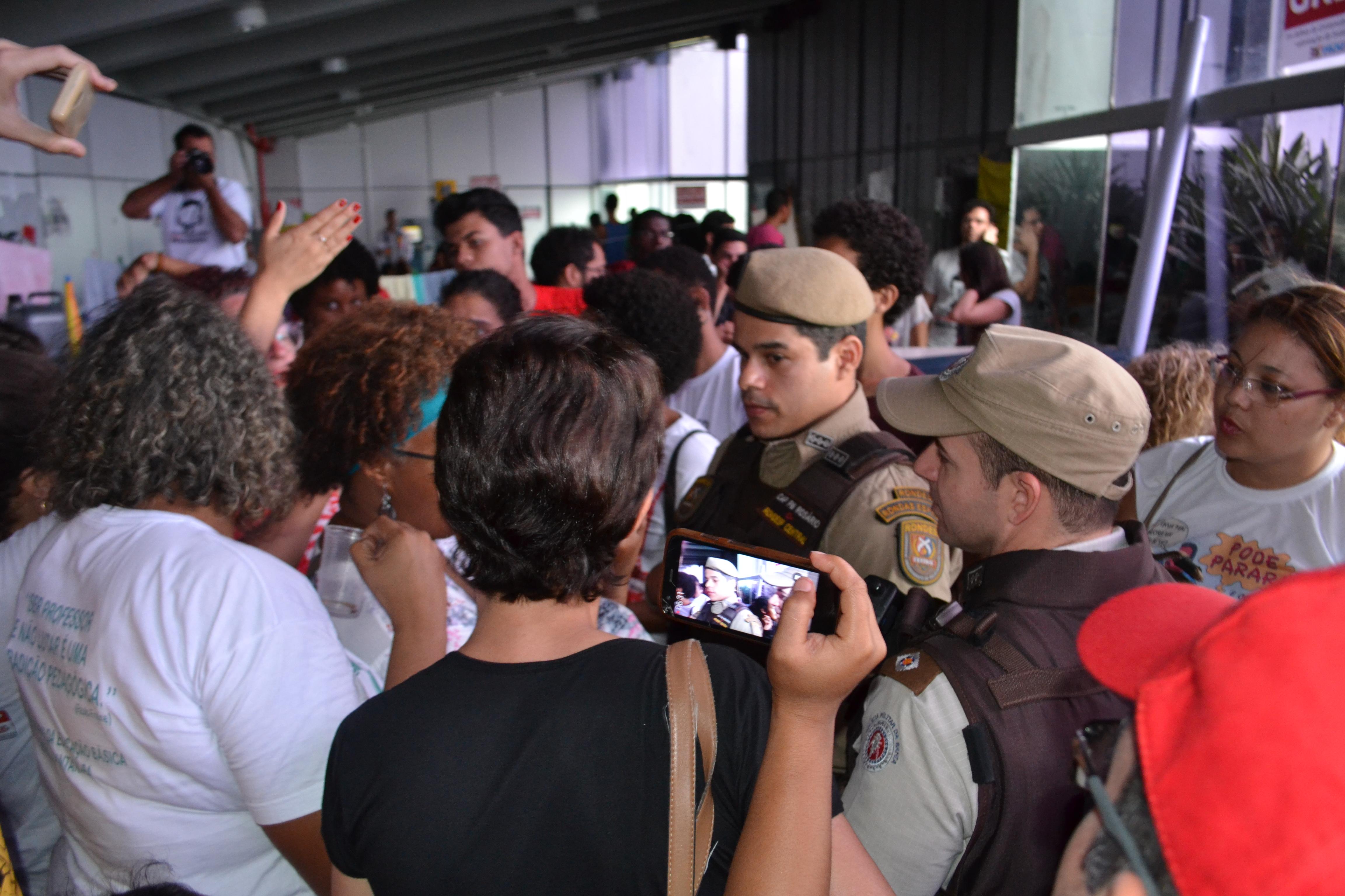 Greve na UESB continua e assembleia avaliará proposta do governo