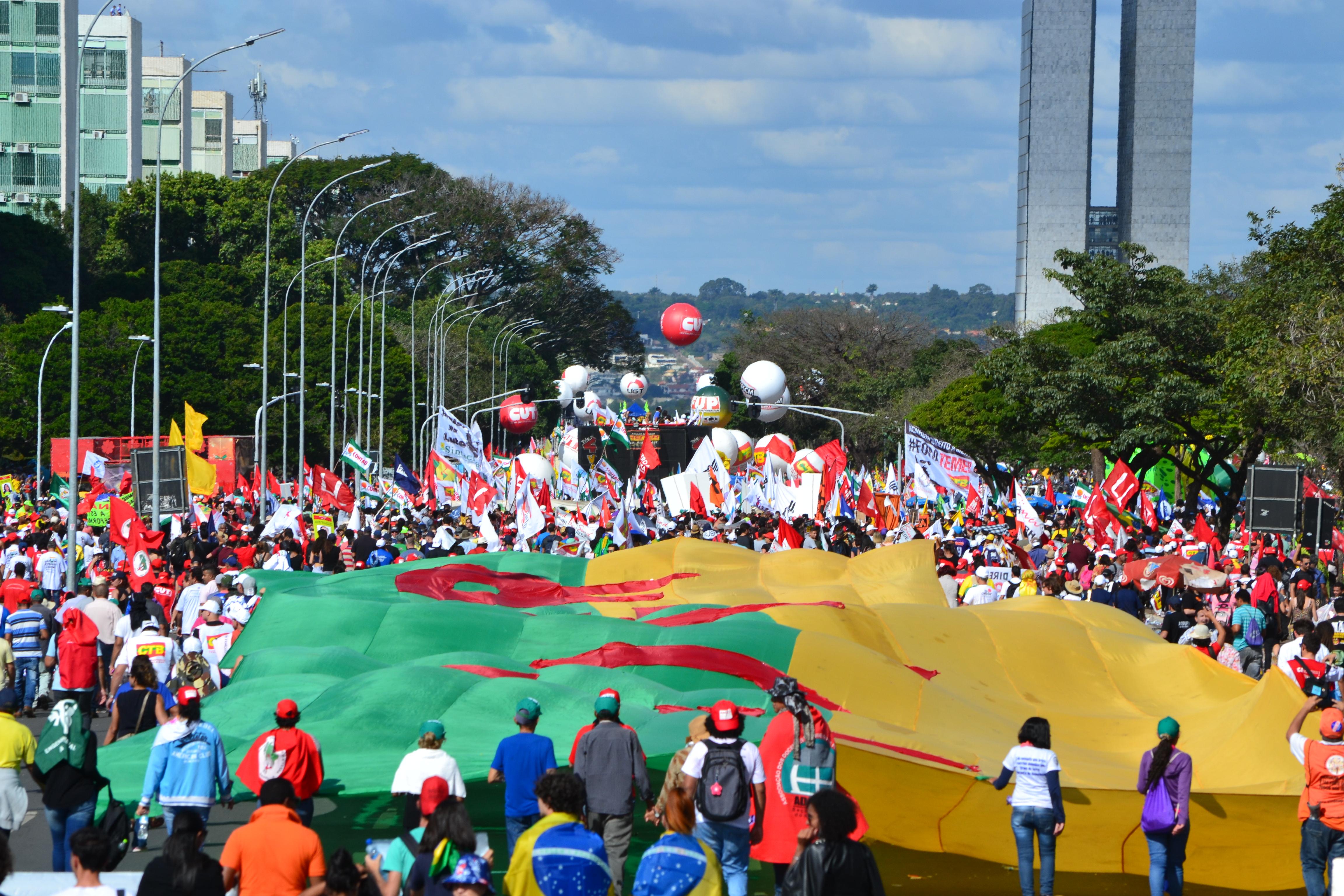 Ocupa Brasília: Manifestantes resistem contra Temer e as reformas