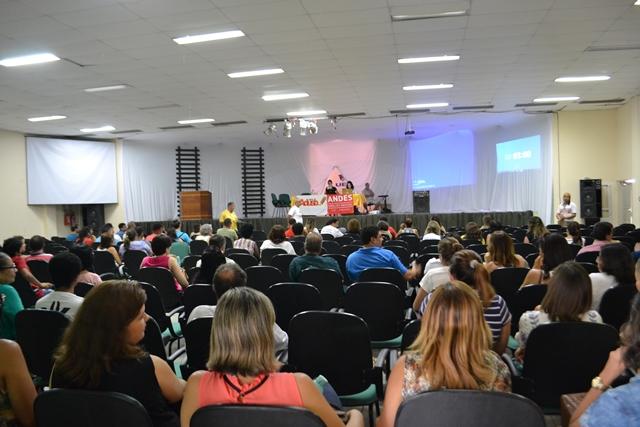 Professores da UESB paralisam atividades contra a PEC 241 e em defesa dos direitos trabalhistas