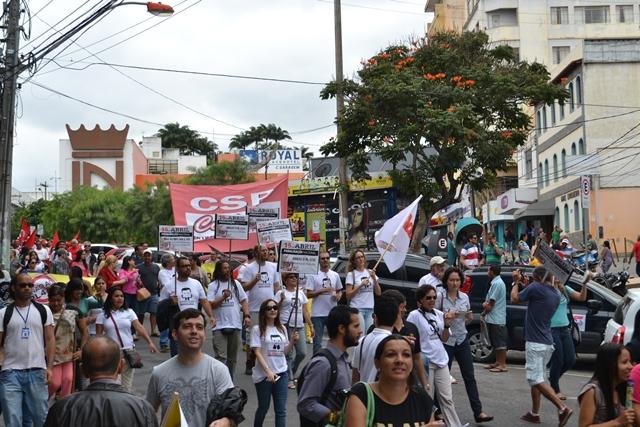 Adusb participa de ato público em defesa dos direitos trabalhistas nesta quinta (30)