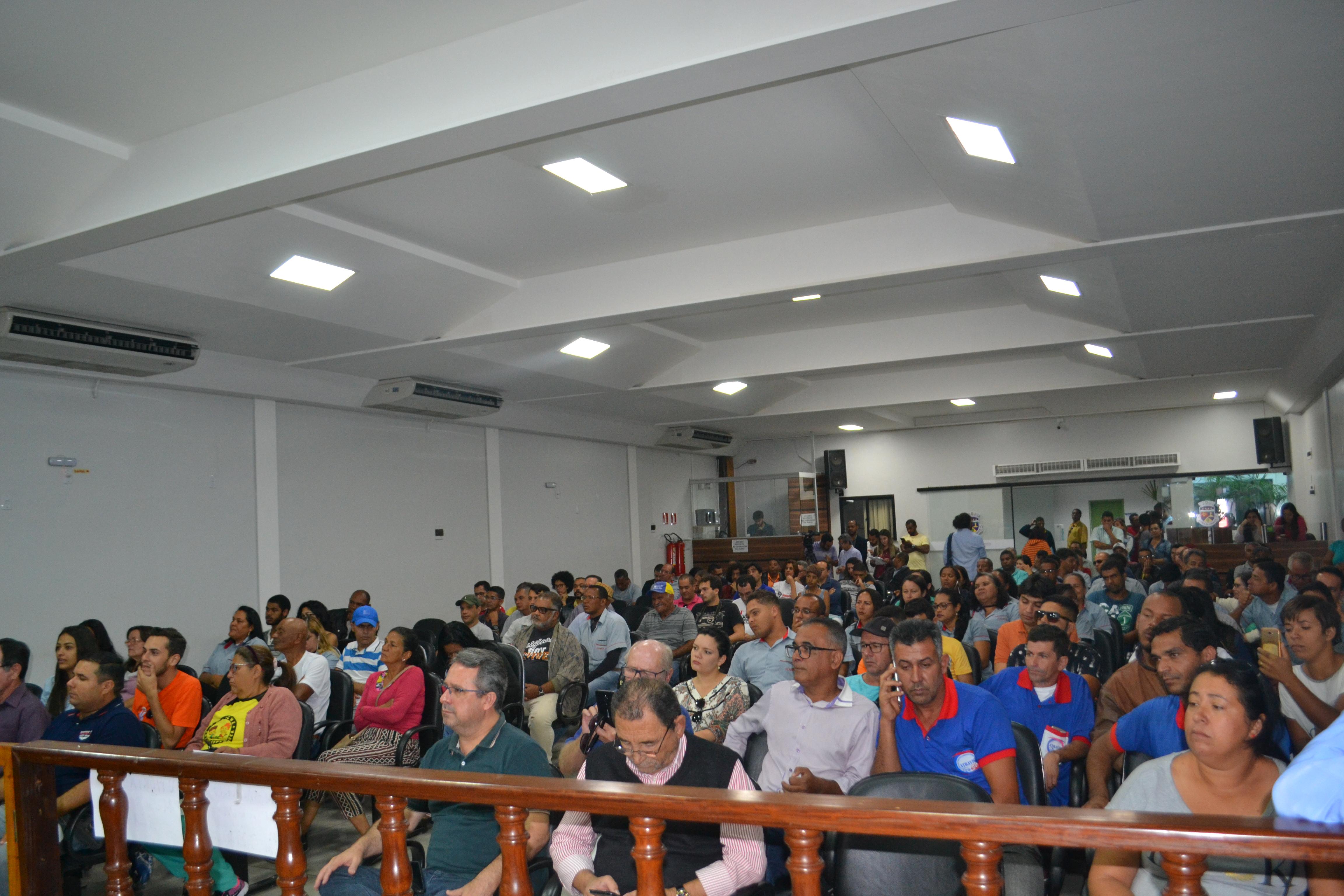 Audiência pública discute crise no transporte público conquistense