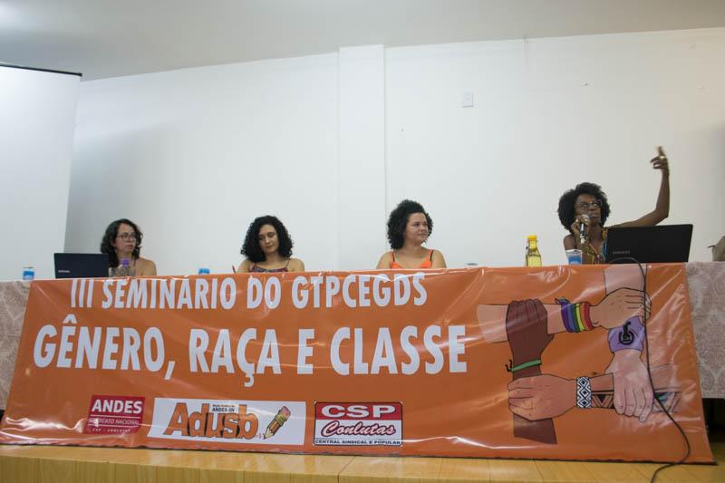Histórico da opressão e o papel do feminismo na luta das mulheres abre o Seminário Gênero, Raça e Classe