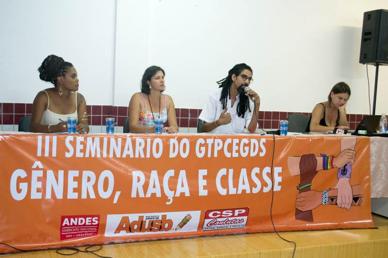 Racismo estrutural é denunciado em mesa do Seminário Gênero, Raça e Classe