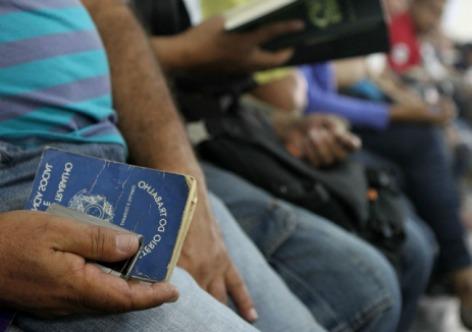 Mercado de trabalho em crise: país registra aumento do desemprego e da informalidade