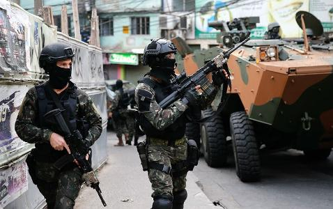 Docentes repudiam atuação do Exército no Rio de Janeiro