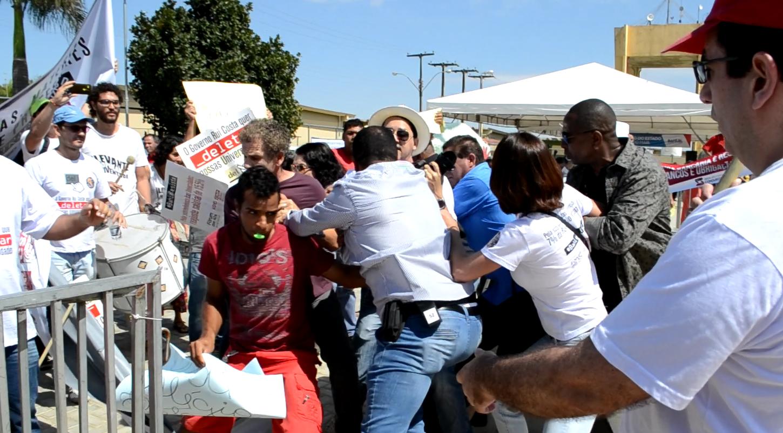 A violência do Governo Rui Costa contra professores e estudantes da Uesb