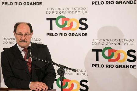 Governador do RS afirma que servidores deveriam agradecer por estabilidade