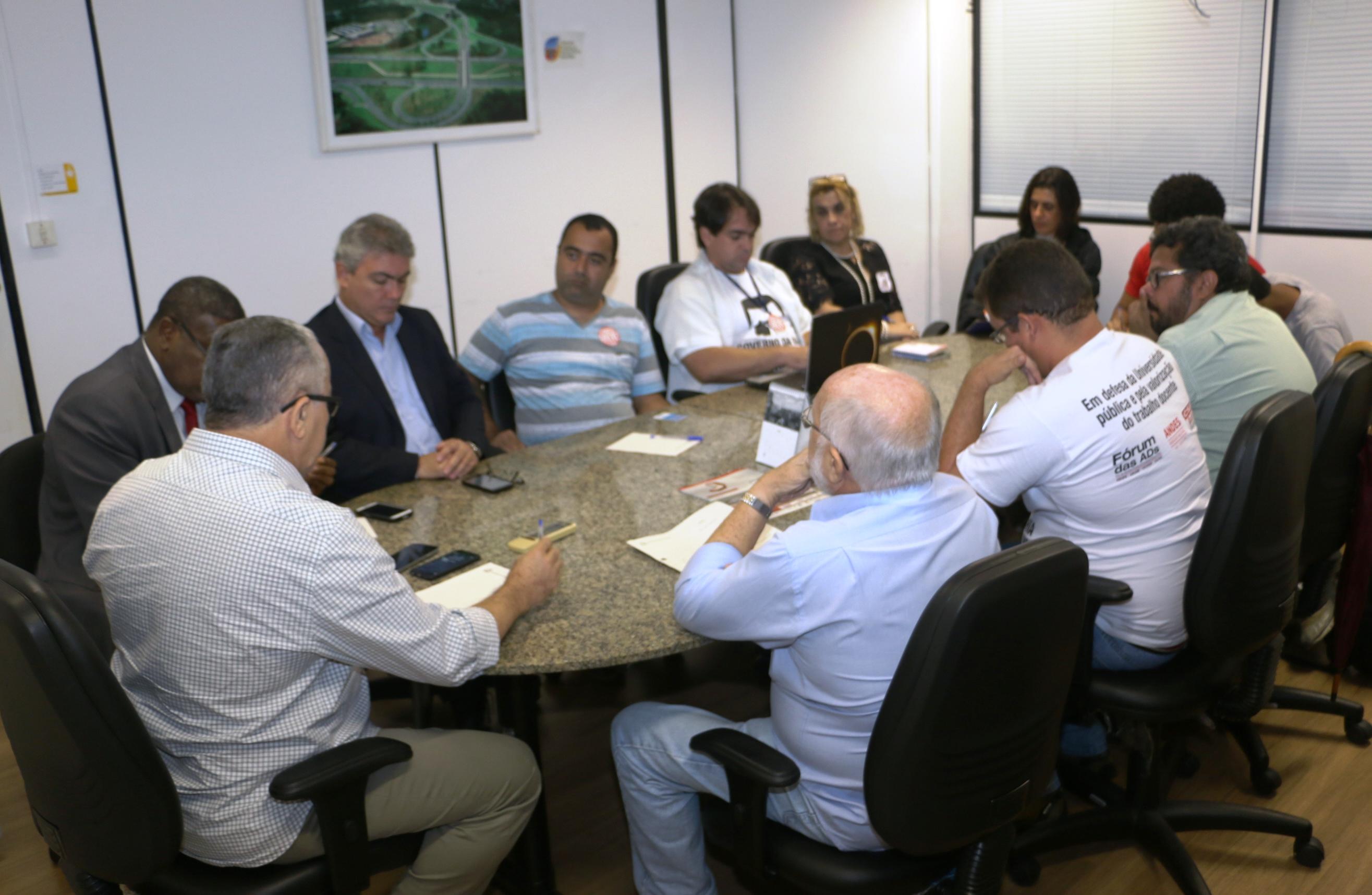 """Greve das UEBA: Governo antecipa reunião e diz que era """"apenas um bate-papo"""""""