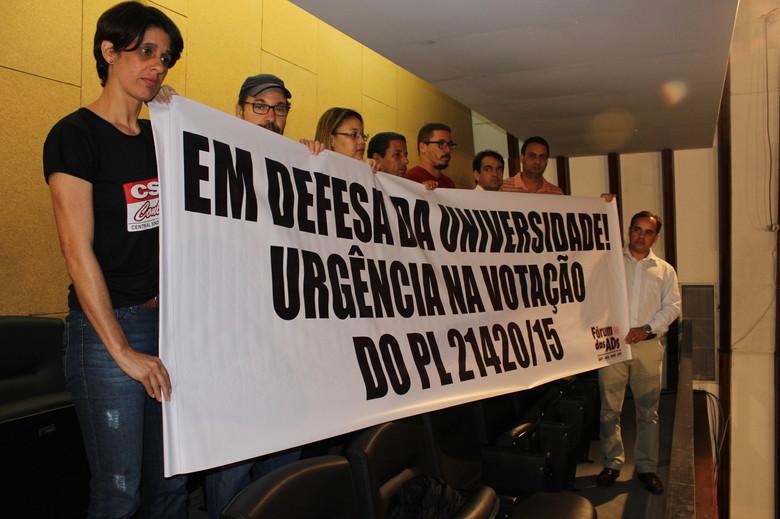 As conquistas do movimento grevista: lei que altera quadro de vagas é publicada no Diário Oficial