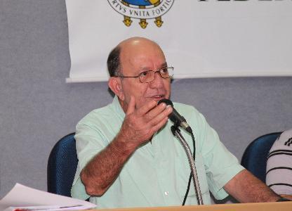 Professor Márcio Antônio de Oliveira, presente!