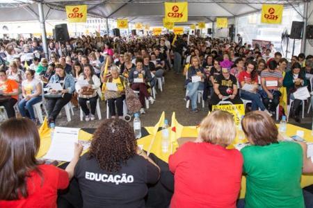 Professores do Rio Grande do Sul deflagram greve por tempo indeterminado