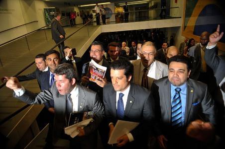 PEC da redução da maioridade penal é aprovada as pressas em comissão da Câmara