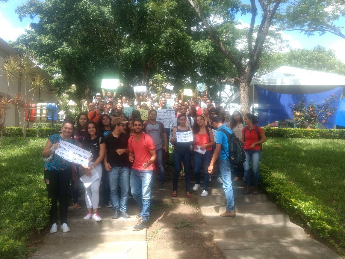 Restaurante Universitário em Itapetinga começa a operar sobre protestos