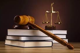 Assessoria Jurídica: Decisão de suspender salários em afastamentos para pós-graduação é ilegal.