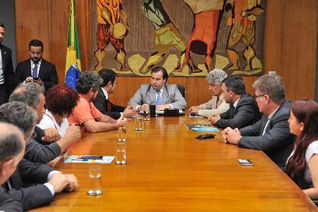 Servidores reafirmam resistência à Reforma da Previdência em reunião com Maia