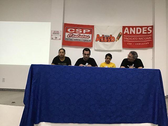 Mesa redonda destaca necessidade de organização e mobilização da classe trabalhadora contra os ataques do capital