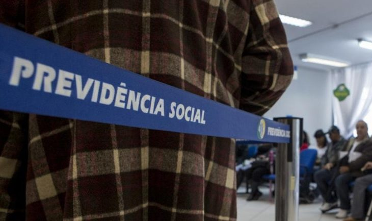 Equipe de Bolsonaro prepara Reforma da Previdência e propostas significam destruição da aposentadoria