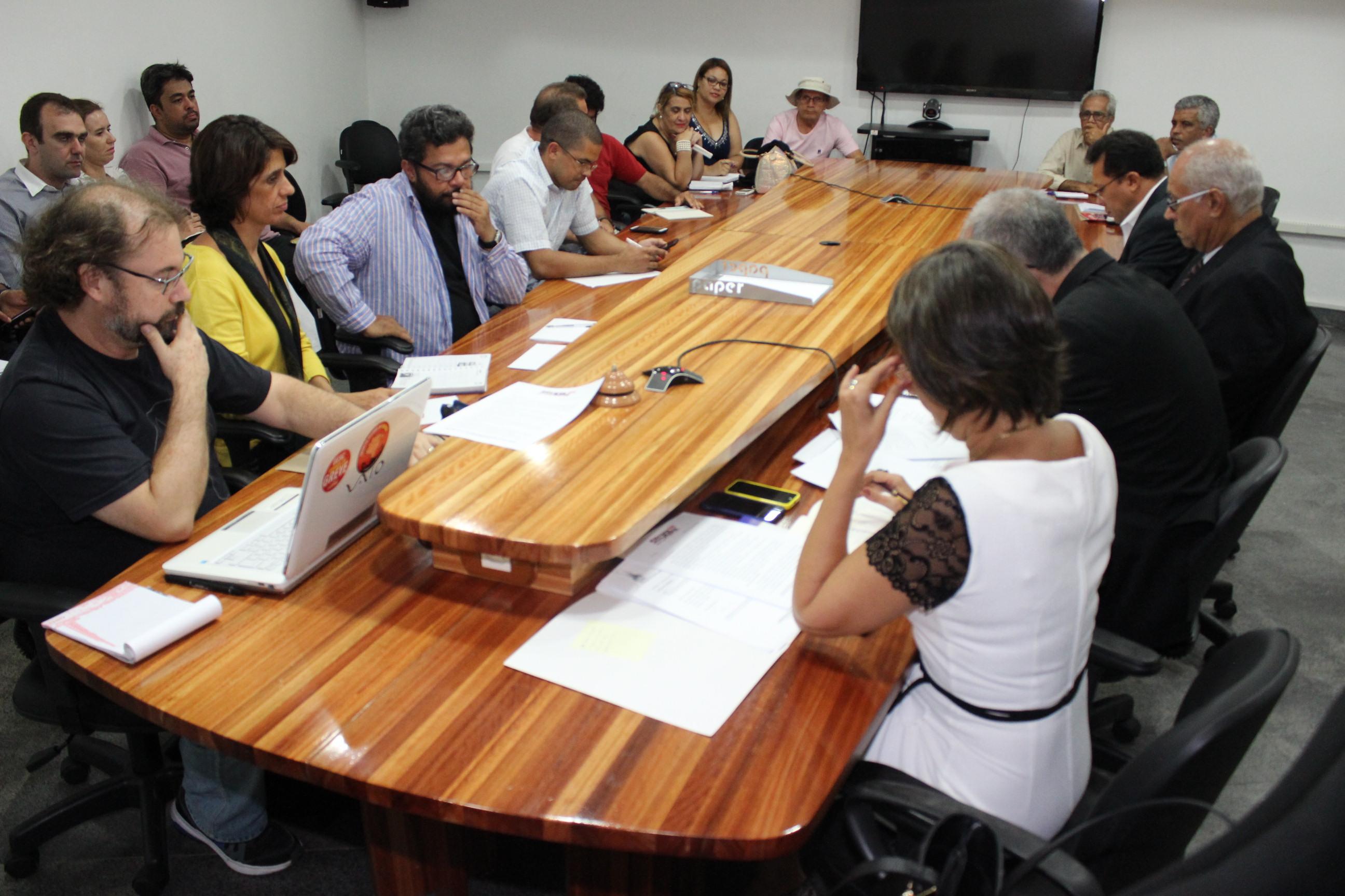 Fórum de Reitores: representante da comunidade universitária ou do governo Rui Costa?
