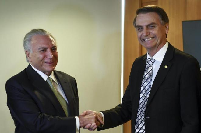 Temer propõe a Bolsonaro fim do abono salarial, do BPC, revisão do Salário Mínimo e das regras do FGTS