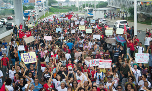 .#greveuesb Ato público em Salvador .